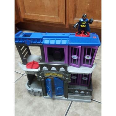 batman bat cave and gothem city jail