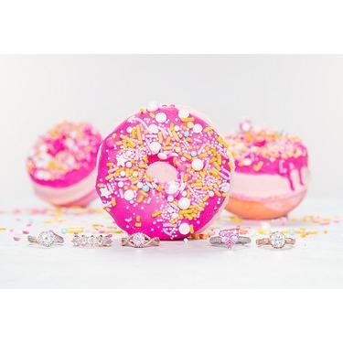 Charmed Aroma - Donut bath bomb