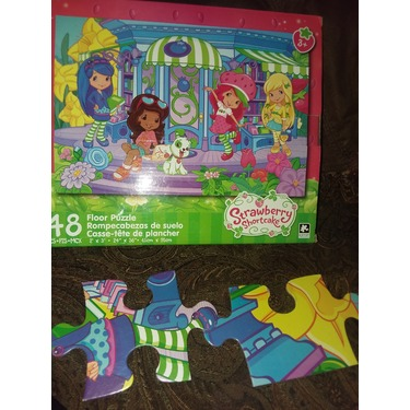 Strawberry shortcake floor puzzle