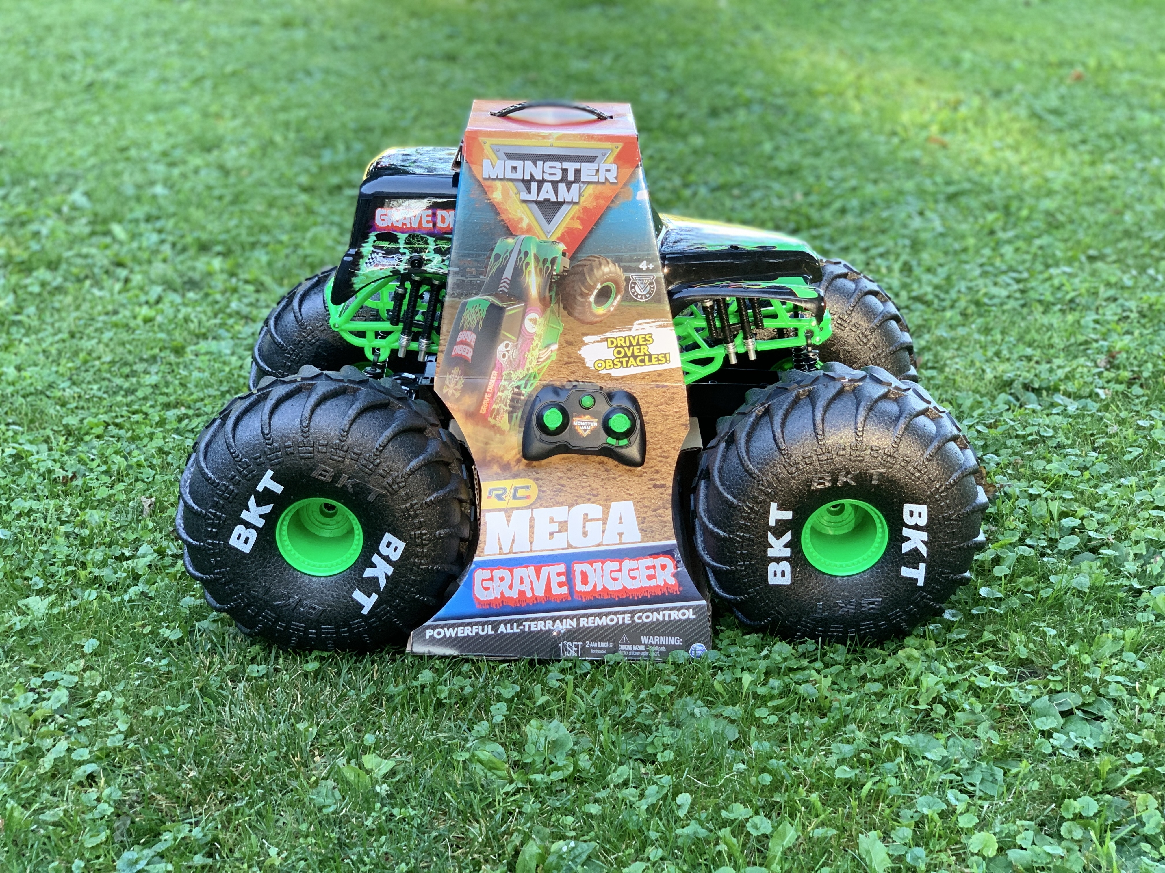 Monster Jam Mega Grave Digger Remote Control Monster Truck Reviews In Remote Control Toys Familyrated