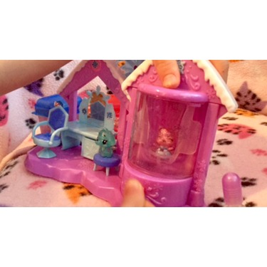 Hatchimals CollEGGtibles Glitter Salon Playset