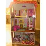 doll house from Kid Kraft