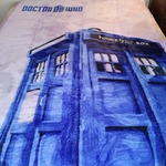 LARGE PURPLE DR.TARDIS THROW BLANKET (DR. WHO)