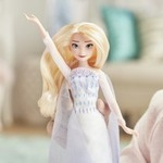 "Frozen 2 Elsa ""Show Yourself"" Singing Doll"