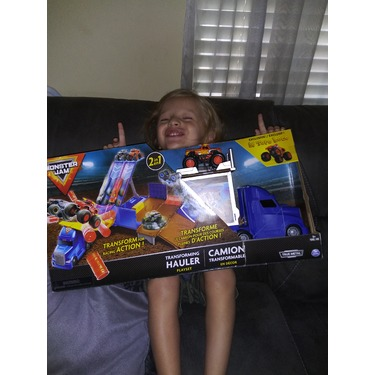 Monster Jam Official 2-in-1 Transforming Hauler Playset with Exclusive El Toro Loco Monster Truck