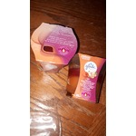 Glade 2-IN-1 Candles  vanilla passion fruit and hawiian  breeze