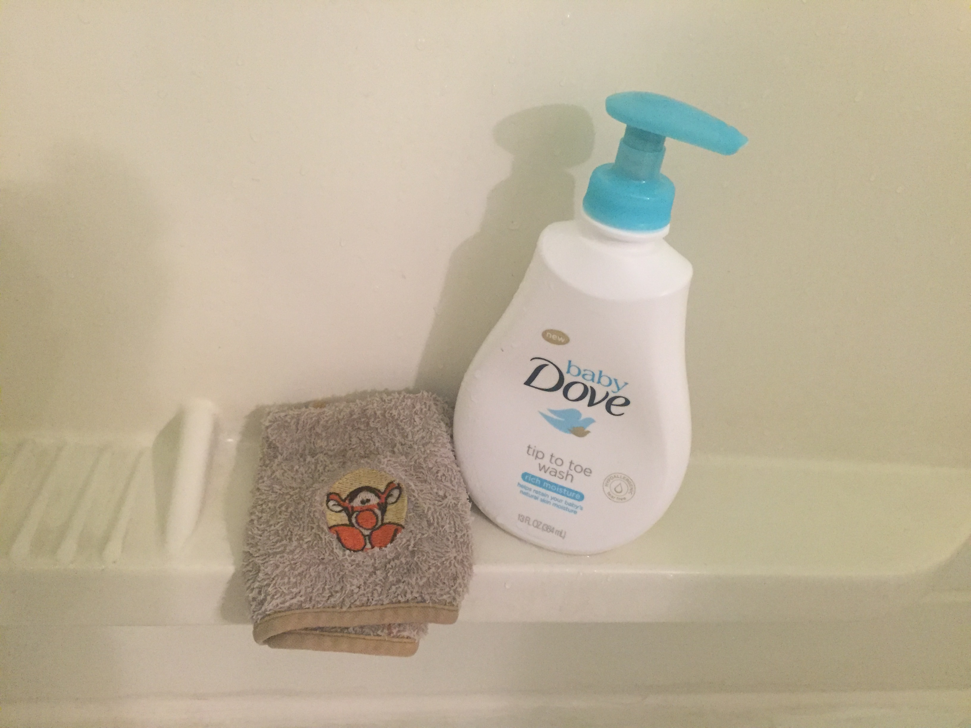 Dove Baby Sensitive Skin Tear Free Wash Shampoo Reviews In Baby Bathing Shampoo Familyrated Page 5