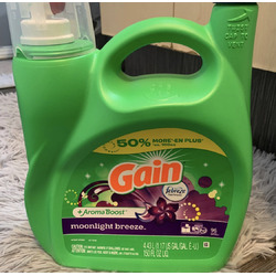 Gain Moonlight Breeze Laundry Detergent